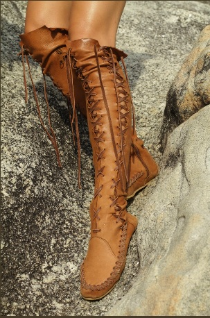 Boots in Tan Leather with Tan Lacing